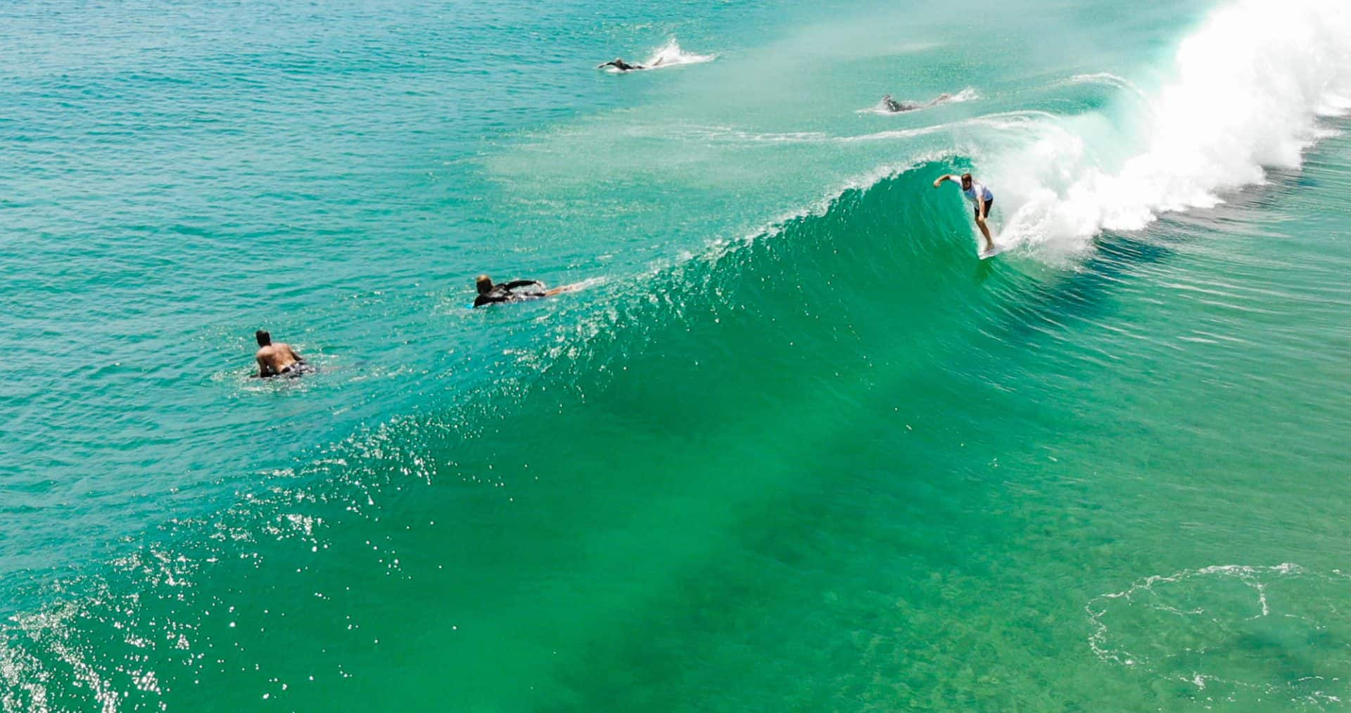 byron bay surf spots guide australia pass wreck tallows