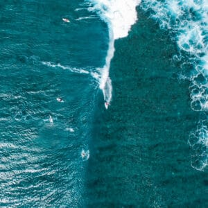 cokes surf spot thulusdhoo island maldives surf guide surfing 3