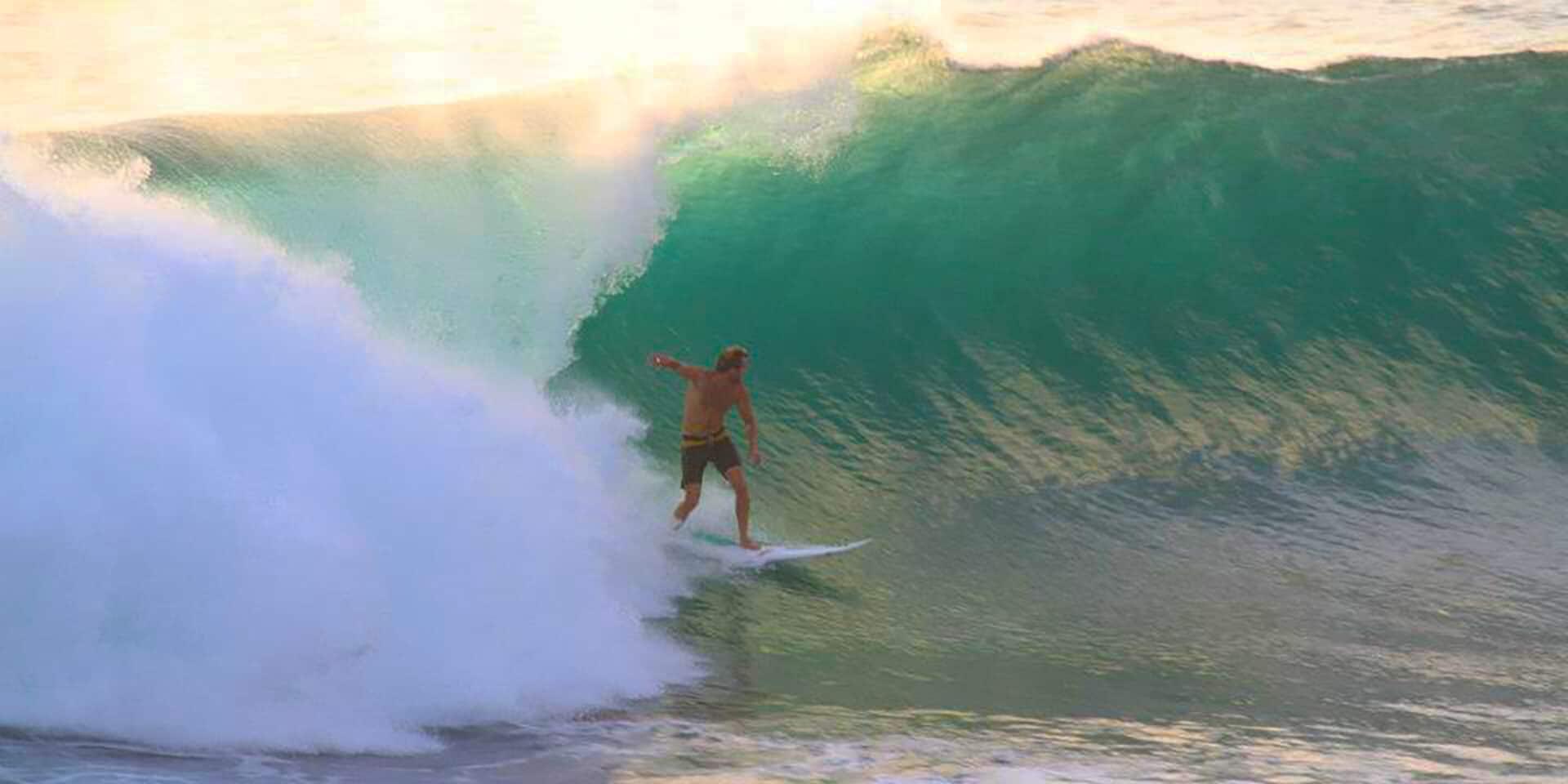 surfing uluwatu bali indonesia guide