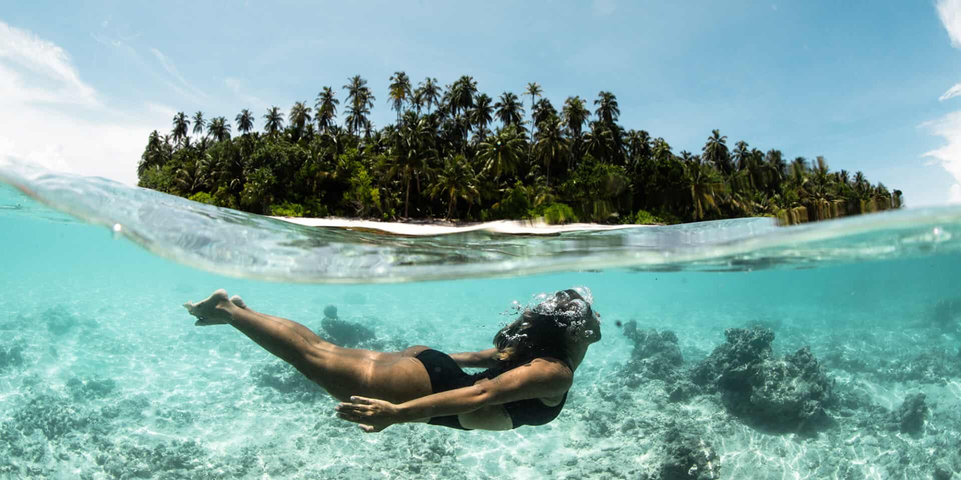 mentawai islands surfing indonesia ments mentawais surf one breathe images